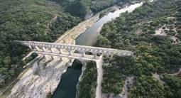 Baptême en avion Biplan depuis Nîmes - Vol découverte d'Avignon et sa région