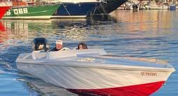 Baptême de vitesse en bateau offshore dans le Golfe de Saint-Tropez