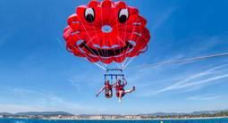 Vol en parachute ascensionnel sur la plage de la Nartelle à Sainte Maxime
