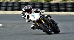 Stage de Pilotage en Yamaha FZ8 - Circuit Carole