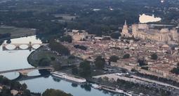 Baptême en Hélicoptère dans le Gard - Vol en hélicoptère à Villeneuve lès Avignon