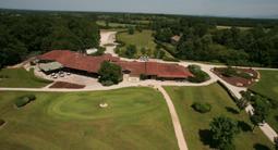 Journée golf pour 3 : Cours et déjeuner près de Bourg en Bresse