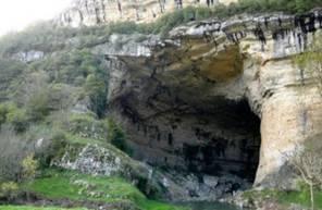 Saut à l'élastique en Ariège depuis la grotte du Mas d'Azil près de Foix et Toulouse