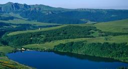 Baptême en hélicoptère à Clermont-Ferrand - Survol des Volcans d'Auvergne